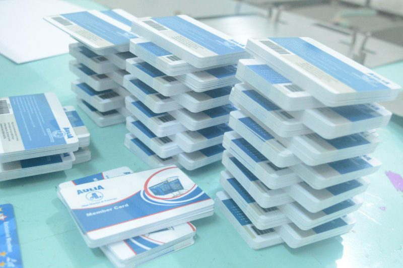 Estimasi Harga Buat ID Card dari Bahan PVC dan Art Paper